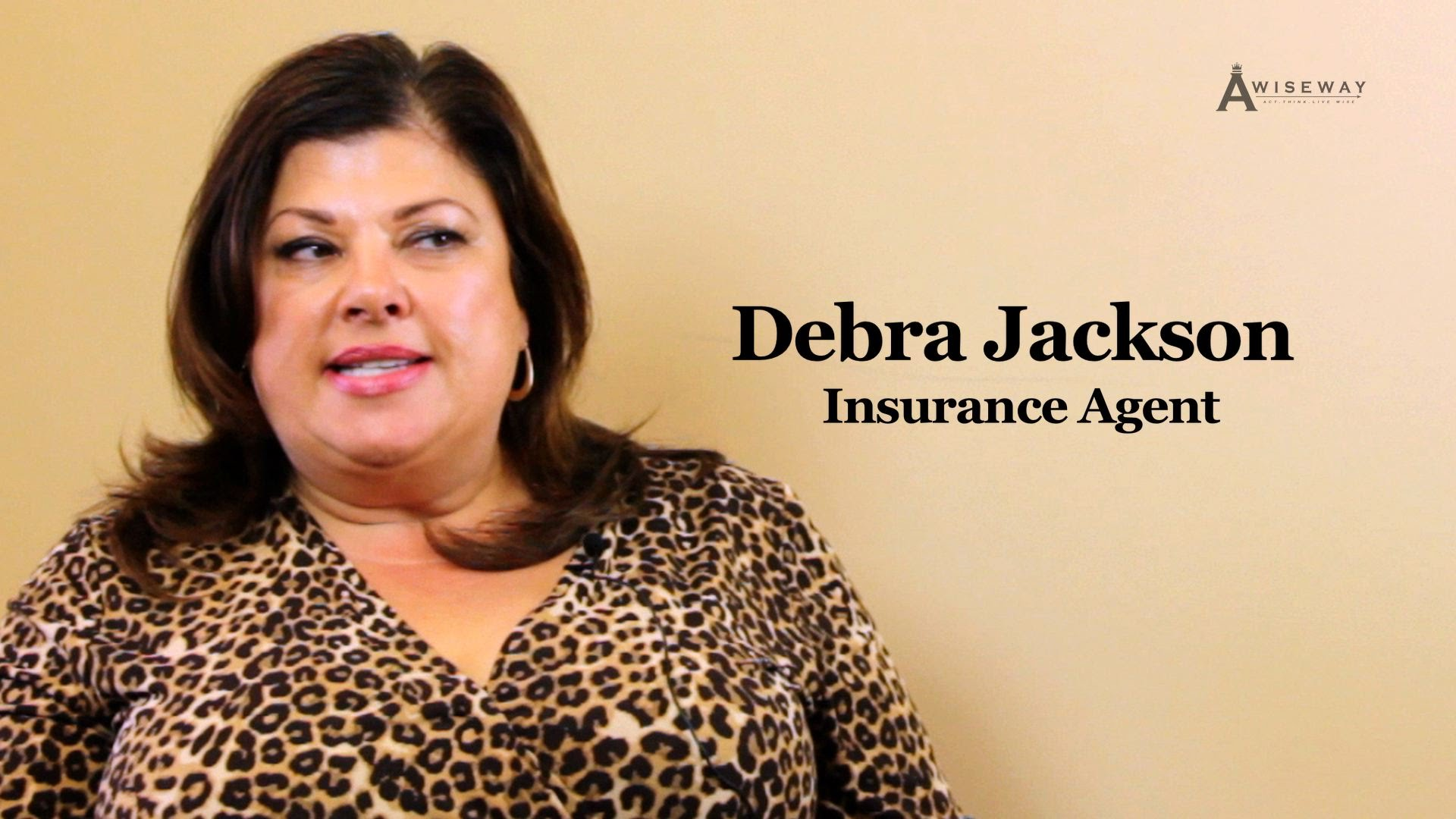 What is the difference between independent and commercial insurances?